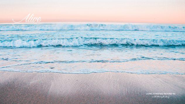 Waves desktop wallpaper